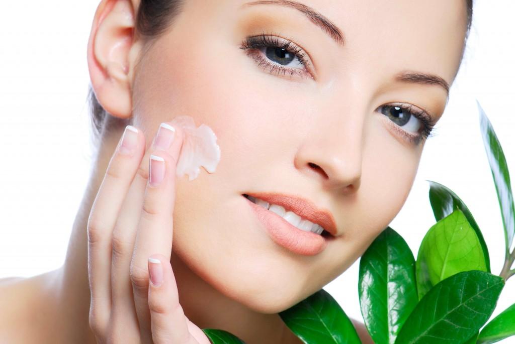 De ce sa ne cumparam cosmetice online