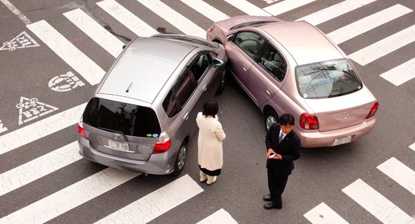Evitati cele mai frecvente accidente auto – sfaturi de la firma de inchirieri masini