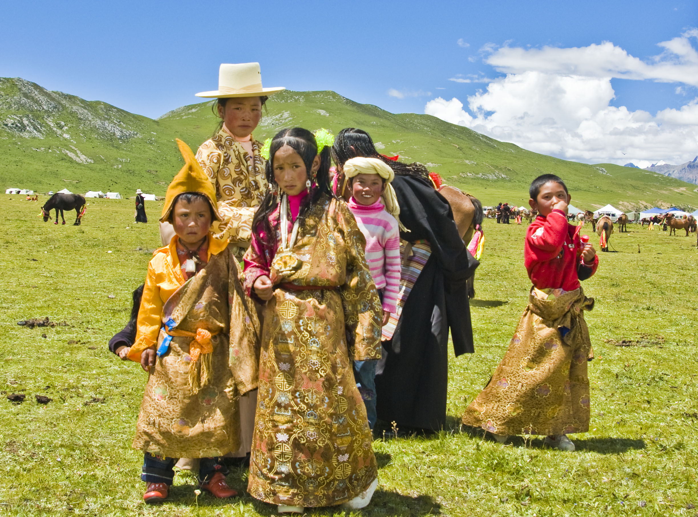 Tibetanii isi inmormantau decedatii in cer