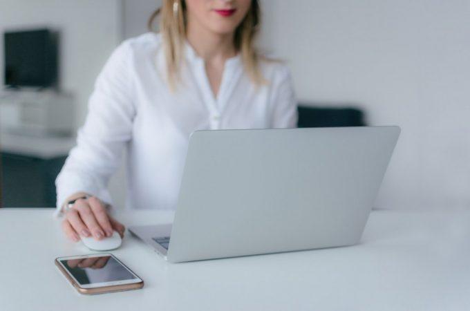 Tu cum iti alegi tinuta office toamna aceasta? Recomandari de la PrettyModa