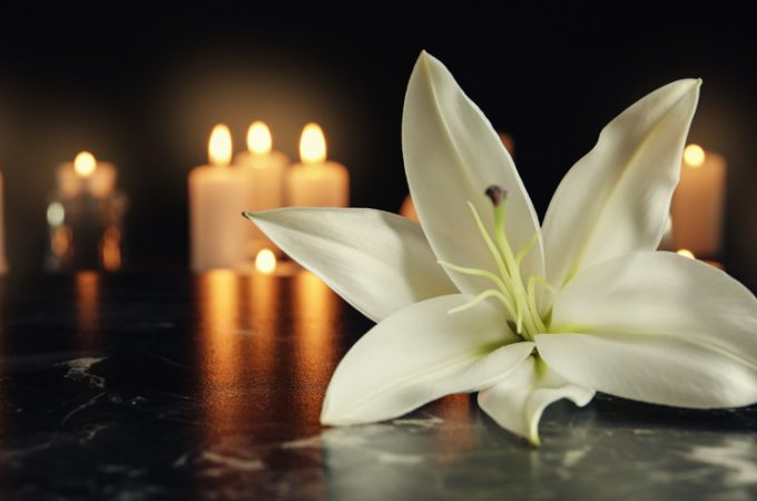 3 moduri prin care poți organiza o înmormântare mai facil – cu servicii funerare de la Rarox