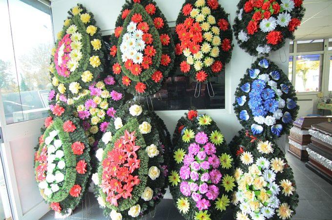 Coroanele funerare – o misiune dificila din toate punctele de vedere
