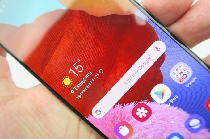 Schimbare ecran Samsung Galaxy A51 vs iPhone